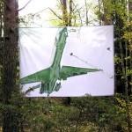 Naturen ger oss ro/att skynda genom skogen/så man inte hinner bli rädd av Monica Funck